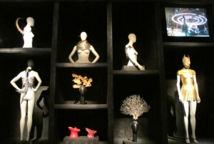 """Savage Beauty: Cabinet of Curiosities,"" Alexander McQueen"