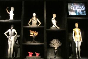 """""""Savage Beauty: Cabinet of Curiosities,"""" Alexander McQueen"""